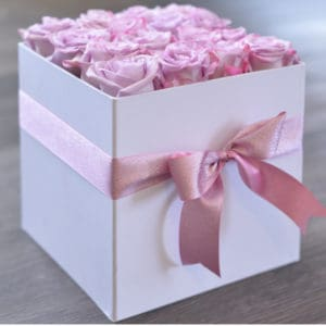 16 Pink Roses in a White Hat Box