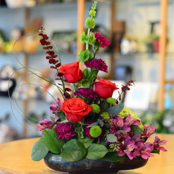 Red Rose Dish Flower Arrangement