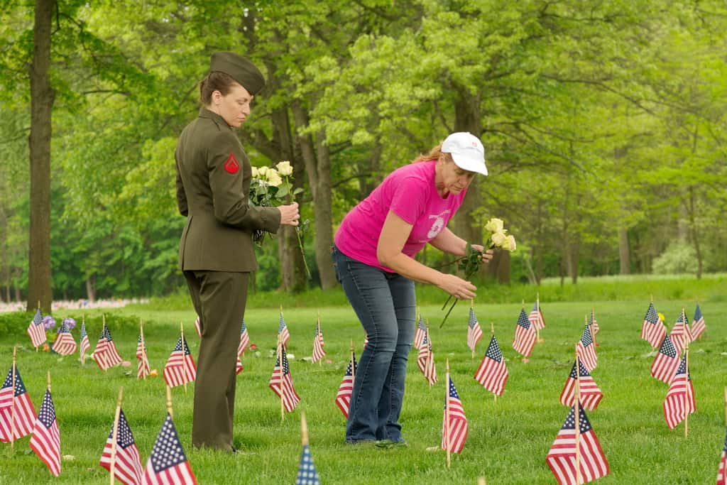 Memorial Day Flowers Volunteers